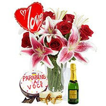 Rosas e Lírios, com Bolo, Bem Casado e Bebida