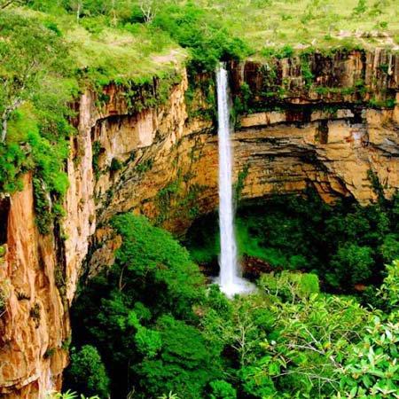 Cachoeira Véu de Noiva, no Mato Grosso