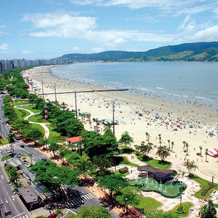 Vista aérea da orla de Santos